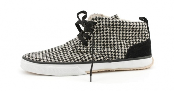maccheronian houndsthooth chukka Houndstooth Takes A Walk for Maccheronian