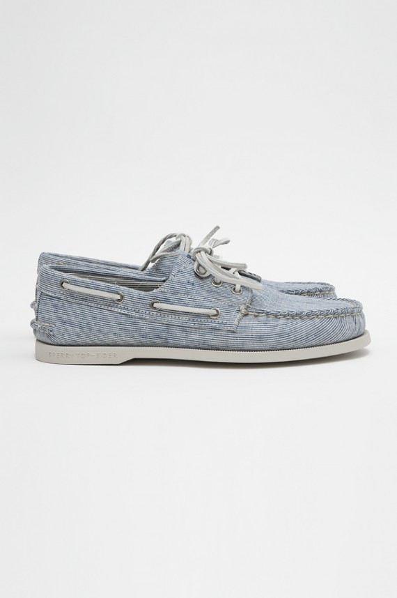 band of outsider sperry topsider ss10 8 570x858 Band of Outsiders and Sperry Footwear for Spring/Summer 2010