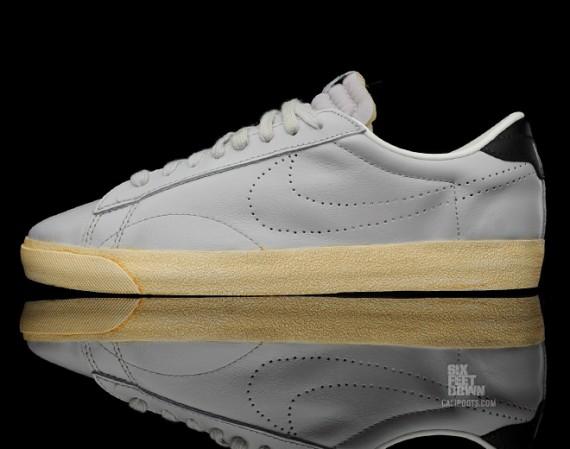 nike tennis classic vintage natural grey 07 570x449 Nike Tennis Classic AC ND