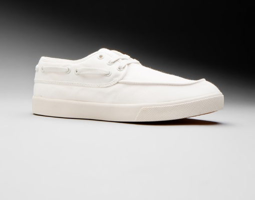 Generic Surplus White Boat Shoe 01