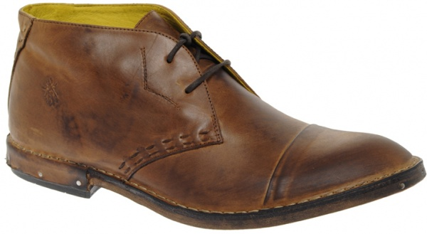 Fly London Notch Nail Chukkas 01