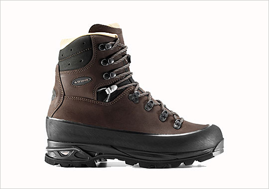 LOWA 'Baffin Pro' Hiking Boot 1