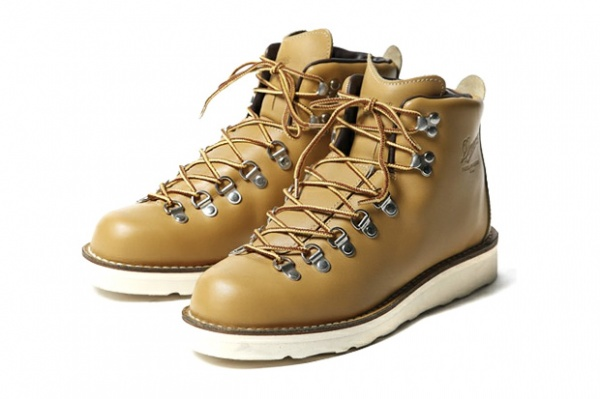 Tommy Danner Mountain Wheat Boots Tommy & Danner 'Mountain Wheat' Boots