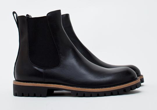dries-van-noten-boot-black-1