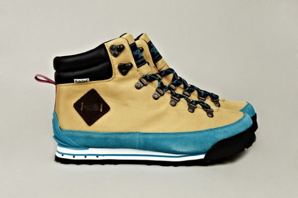 the north face fall winter 2012 back to berkeley hiking boots blue tan 1 The North Face Fall/Winter 2012 Back to Berkley Hiking Boots